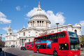 Paul Cathedral with London Bus